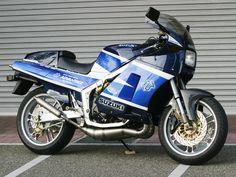 Suzuki RG 500 Γ by Advantage