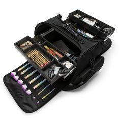 The Impressions Vanity SLAYssentials PRO makeup case collection, featuring this Makeup Case, are the perfect companions for any makeup lover on the go. Beautiful Eye Makeup, Beautiful Eyes, Professional Makeup Kit, Makeup Rooms, Eyeliner, Makeup Case, Makeup Organization, New Product, Vanity