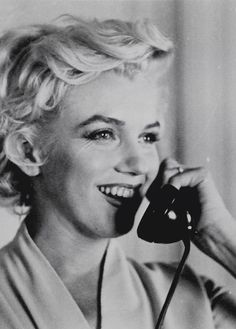 Marilyn at the St. Regis Hotel in New York. Photo by Sam Shaw, September 9th 1954.