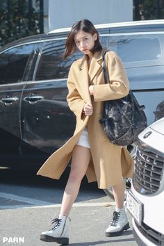 Korean Airport Fashion, Korean Fashion, Fashion Idol, Fashion Outfits, Fashion Trends, South Korean Girls, Korean Girl Groups, Get Skinny Legs, Myoui Mina