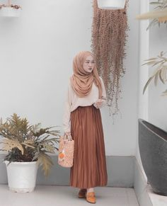 Ideas For Fashion Modest Casual Sleeve Street Hijab Fashion, Muslim Fashion, Modest Fashion, Skirt Fashion, Trendy Fashion, Fashion Dresses, Modest Dresses, Modest Outfits, Skirt Outfits