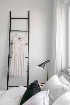 Sisustus - makuuhuone - mustavalkoinen sävymaailma