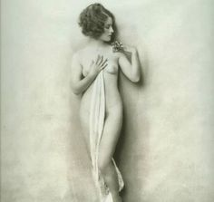 Actress Norma Shearer posing nude
