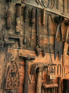 What to do with all your vintage tools? Arrange and hang them artfully on wood panels for a distinctive, one-of-a-kind piece of art that speaks to your passion for DIY. - again would be great to store and display my father in law's old tools~ Antique Tools, Old Tools, Vintage Tools, Vintage Farm, Farm Tools, Garden Tools, Old Farm, Back To Nature, Farm Life
