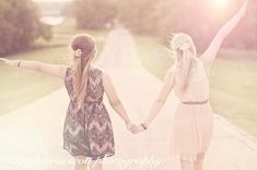 senior picture ideas for best friends  | Best friends forever