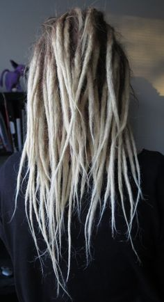 I want these!! love the dread style and color Half Dreaded Hair 260dac7c3