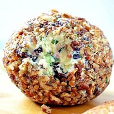 This Onion Cranberry Pecan Cheese Ball is an easy, make-ahead appetizer that tastes amazing & has the most beautiful colors!