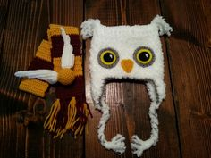 Harry Potter newborn photo shoot props. Made by Ashton Muñoz.