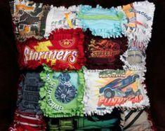 Taie d'oreiller patchwork avec de vieux t-shirts