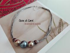 Collana girocollo multifilo con perle, con cordino in vero cuoio, fatta a mano in Italia Melody di GioiediCarol su Etsy