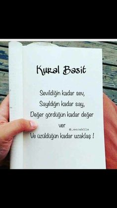 Aptal hala seni istediğimi düşünüyorsun çünkü böyle düşünmek hoşuna gidiyor. Book Quotes, Life Quotes, Quotations, Qoutes, Good Sentences, New Thought, Book Of Life, Make A Wish, Karma