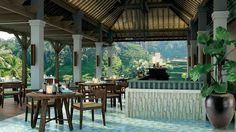 Dining Room #mandaparitzcarlton vossy.com