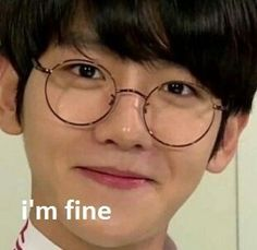 Image discovered by b l u e. Find images and videos about kpop, exo and baekhyun on We Heart It - the app to get lost in what you love. Memes Exo, Funny Kpop Memes, Dankest Memes, Meme Pictures, Reaction Pictures, Chanbaek, Meme Faces, Funny Faces, K Pop