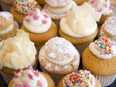 Colorful and Mouthwatering mini CupCakes ! Pretty Cupcakes, Mini Cupcakes, Diet Pills That Work, Fairy Cakes, Sweet Bread, Cupcake Recipes, Sweet Recipes, Delicious Desserts, Sweet Tooth