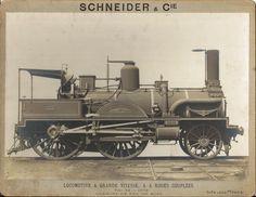 Locomotive à vapeur compound à 4 roues couplées fabriquée par Schneider et Compagnie aux usines du Creusot en 1879 pour le Chemin de fer du Midi. (Académie François Bourdon, Le Creusot)  www.afbourdon.com/