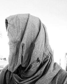 Head Protection Accessoire. Minimal design in fav colour because grey is the new black  #mizzuu #slowfashion #wecare #fairtrade #minimalism #minimal #minimalist #create #urban #streetstyle #streetfashion #zurich #züri #zürich #street #accessories #apparel #clothing #clothes #comingsoon #prototype Fairtrade, Streetstyle, Minimal Design, Slow Fashion, Minimalism, Urban, Grey, Life, Clothes