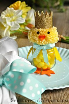 Serendipity Refined Blog: Recycled Baby Food Jar Easter Chick Candy Holder