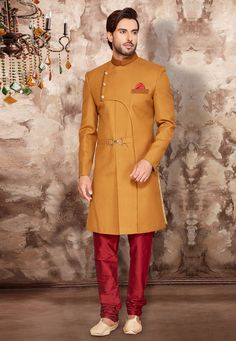 Mustard ready made Indo western. Indian Wedding Fashion, Indian Men Fashion, Mens Fashion Wear, Wedding Dress Men, Wedding Suits, Mens Ethnic Wear, Men Wearing Dresses, Kurta Men, Mens Kurta Designs