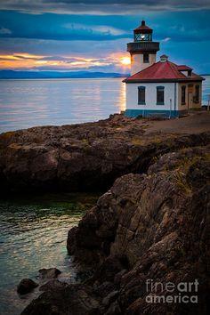 Lime Kiln Sunburst | Lime Kiln Light, San Juan Island, Washington
