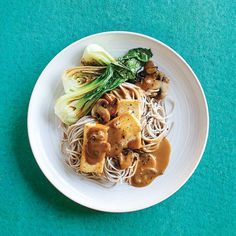 Tofu, soba et bok choys Vegetable Recipes, Vegetarian Recipes, Healthy Recipes, Pak Choy, Plats Weight Watchers, One Pot Pasta, Tempeh, Main Dishes, Spaghetti