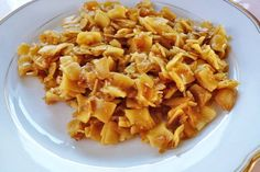 Omas Krautfleckerl - Rezept - The Best Chicken Recipes Best Chicken Recipes, Pasta Recipes, New Recipes, Vegan Recipes, Cooking Recipes, Healthy Recepies, Veggie Dishes, Pumpkin Recipes, Soups And Stews