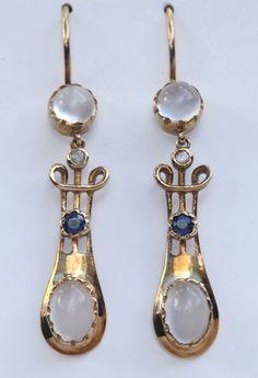 Murrle Bennett & Co art nouveau earrings. Gold, moonstone, sapphire and diamond Art Deco Schmuck, Bijoux Art Nouveau, Art Nouveau Jewelry, Jewelry Art, Gold Jewelry, Jewelery, Jewelry Accessories, Fine Jewelry, Gold Earrings