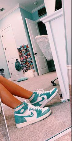 Jordan Shoes Girls, Girls Shoes, Nike Shoes Air Force, Cute Sneakers, Green Sneakers, Girls Sneakers, High Top Sneakers, Aesthetic Shoes, Hype Shoes