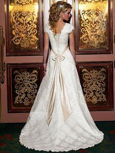 wedding, bridal, dress, gown, square, satin, lace, bow, belt, a-line, lace-up, cap sleeves,
