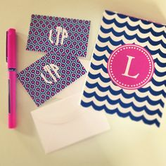 EVERY Lady should have their own monogrammed or personal favorite stationary. Monogram Stationary, Monogrammed Stationery, Monogram Jewelry, Monogram Gifts, All Things Cute, Girly Things, Preppy Girl, Preppy Desk, Preppy Southern