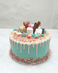 Mario Birthday Cake, Candy Birthday Cakes, Birthday Cakes For Teens, Chocolate Birthday Cake Decoration, Birthday Cake Decorating, Cake Decorating Tips, Simple Birthday Cake Designs, Gateau Harry Potter, Bithday Cake