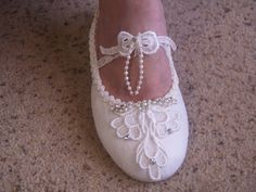 Bridal Flat shoes Marie Antoinette style French Lace Ivory US Sizes 5 to 11