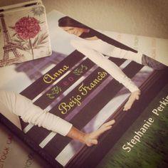 Resenha do Livro Anna e o Beijo Francês - Autora: Stephanie Perkins - Ed. Novo Conceito