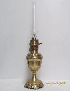 """Bruciatore WILD & WESSEL VULCAN 16"""". Il bruciatore più costoso e più ricercato dai collezionisti, apprezzato per la qualità e la tecnica costruttiva.  Per il suo funzionamento è assolutamente necessario dotare il bruciatore del proprio tubo vetro  il quale fa parte  integrale del proggetto brevettato  nel 1881 dalla società WILD  & WESSEL  di Berlino."""