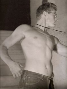 James Dean by Roy Schatt, 1950s http://es.pinterest.com/kmuncho/actors-actresses-and-movies/