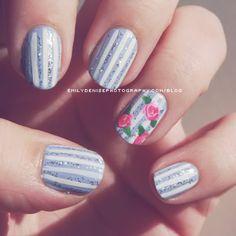stripes/roses nail art ♥