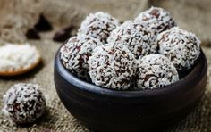 raw vegan almond butter coconut chocolate balls by Arzamasova. Almond Joy, Almond Butter, World Recipes, Whole Food Recipes, Butter Ingredients, Classic Candy, Chocolate Coating, Healthy Treats, Schokolade