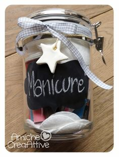 AmicheCreaAttive: Idee regalo per il Natale Christmas Gift Box, Christmas Love, Christmas Crafts, Xmas, Christmas Ideas, Little Presents, Little Gifts, Diy Cadeau Noel, Jar Gifts