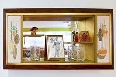 Love this mid century MCM shadow box, (I guess that's what it's called) MCM SOO COOL!