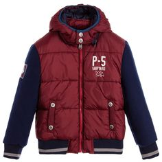 Boys burgundy and navy blue jacket by iDo Junior. Made with a silky smooth fabric and soft felted feel sleeves. This warm jacket is padded with ribbing on the hem and cuffs. It fastens with a zip and has a detachable hood.