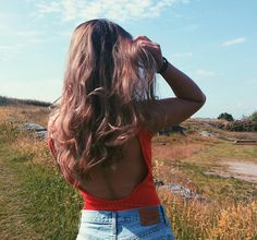 """278 Likes, 5 Comments - Aivan Vo (@aikkuvo) on Instagram: """"🌞🌞 #backless #levis501"""""""