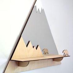 Grizzly Bear Mountain Peak Decorative Mirror And Shelf – home decorating - kinderzimmer Handmade Home Decor, Diy Home Decor, Mirror With Shelf, Mirror Shelves, Wooden Decor, Clever Diy, Clever Design, Kids Furniture, Wood Art
