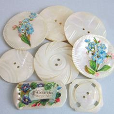 The ~sweetest~ antique buttons