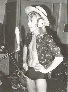 Mick Ronson in France for the recording of PINUPs - July Photo by Leee Black Childers (From Angela Bowie Collection) David Bowie Young, Angela Bowie, Ian Hunter, Mott The Hoople, Mick Ronson, Iggy Pop, Thing 1, Portraits, Ziggy Stardust