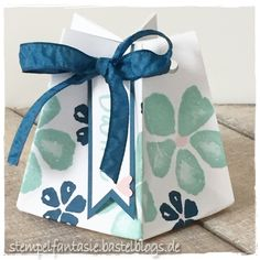 Tiny star gift bag made with the gift bag punch board and the Fresh Fruit stamp set from Stampin' Up!