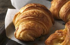 A warm croissant or pain au chocolat is a sensual pleasure. Here's how to take on the French at their own game. Paul Hollywood: how to make perfect croissants British Baking Show Recipes, British Bake Off Recipes, Great British Bake Off, Baking Recipes, Pastry Recipes, Paul Hollywood Bread, Paul Hollywood Croissant Recipe, Homemade Croissants, Homemade Breads
