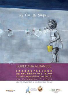 Le opere di Loredana Albanese sono un vero e proprio inno alla leggerezza…aeroplanini di carta, foglietti, farfalle, oggetti sospesi magicamente nell'aria