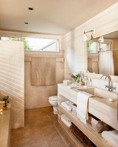 baño con mueble de obra