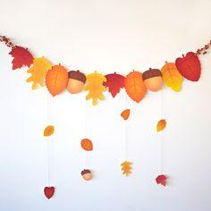 FREE printable Autumn Leaf Garland | DIY | Spoonful