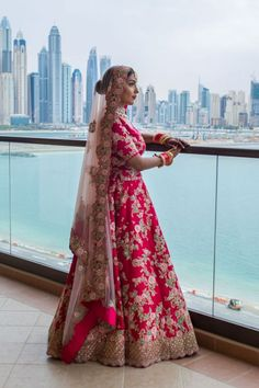 A Dubai Destination Wedding With Stunning Themes & A Bride In Pink Wedding Lehenga Designs, Designer Bridal Lehenga, Dubai Wedding, Destination Wedding, Wedding Design Inspiration, Bollywood Bridal, Bridal Poses, Indian Wedding Planning, Indian Bridal Outfits