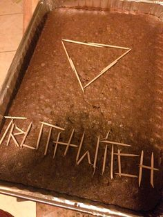 By Waterwitch Kaina - UK cover made of brownies and toothpicks!